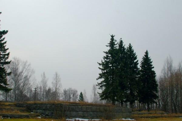 Здесь был Коба - от памятника И.Сталину остался лишь постамент